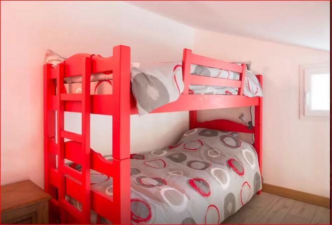 Des lits superposés sur la mezzanine ( Pivoine)